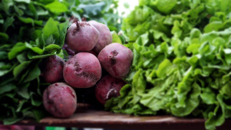 beets_lettuce_bg_1600.jpg